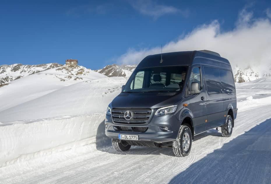 Ya está aquí la nueva Mercedes-Benz Sprinter con tracción total: Nada se le pondrá por delante