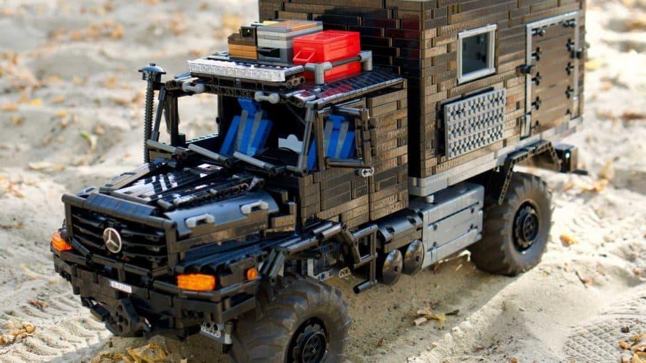 Este Mercedes-Benz Zetros 1833 de LEGO Technic es una creación original ¡y no le falta ni un detalle!
