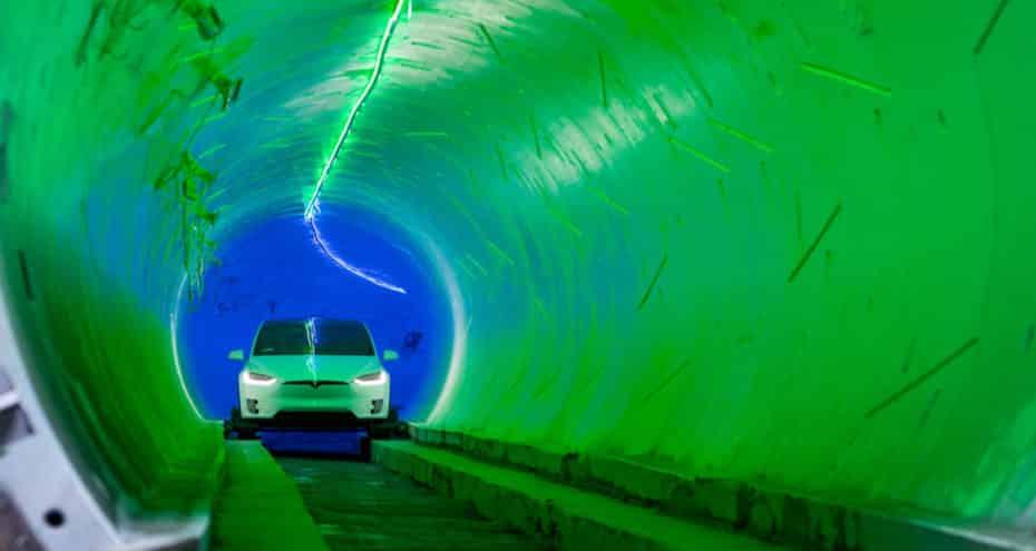 El túnel subterráneo de Elon Musk ya es una realidad en Los Ángeles… pero está lleno de baches