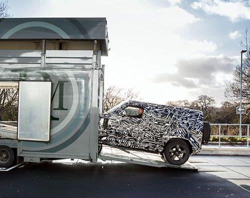 Ya está aquí el primer teaser del nuevo Land Rover Defender que llegará en el 2019