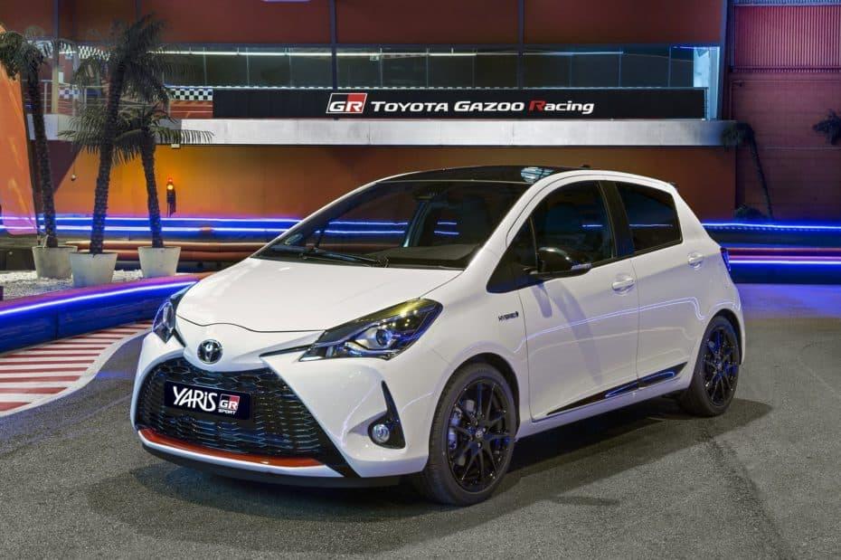Conocemos al Toyota Yaris GR-SPORT en persona: El híbrido con aspecto y tacto deportivo ya tiene precio