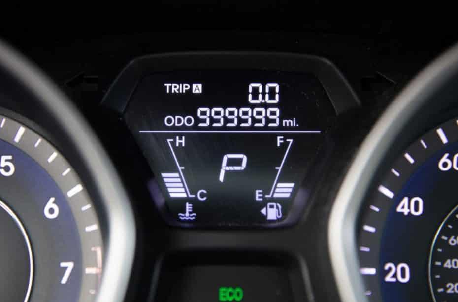 Recorrer 1,6 millones de kilómetros en un Hyundai Elantra es posible y alguien lo ha hecho en 5 años