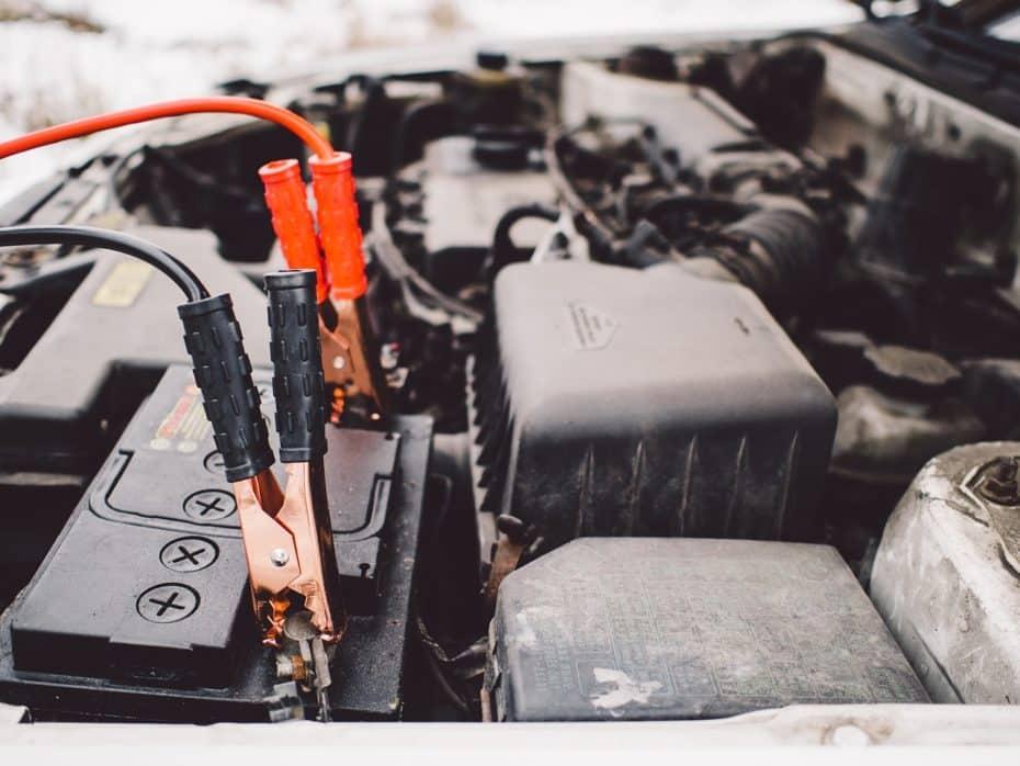 Cómo cargar una batería de coche: Todo lo que tienes que saber