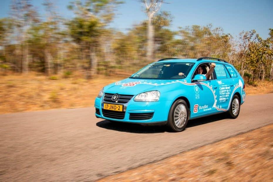 89.000 kilómetros y 33 países en un Golf eléctrico ¿Sigues sin creer que el coche eléctrico es viable?