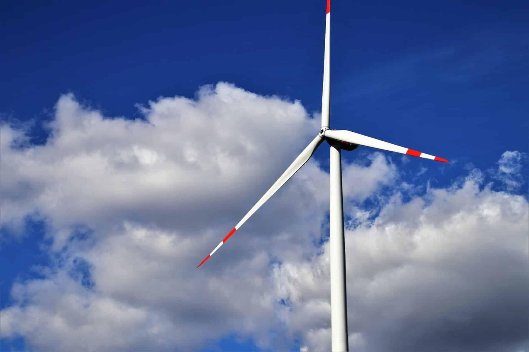 La generación de energía sostenible es clave para poder mantener el coche eléctrico