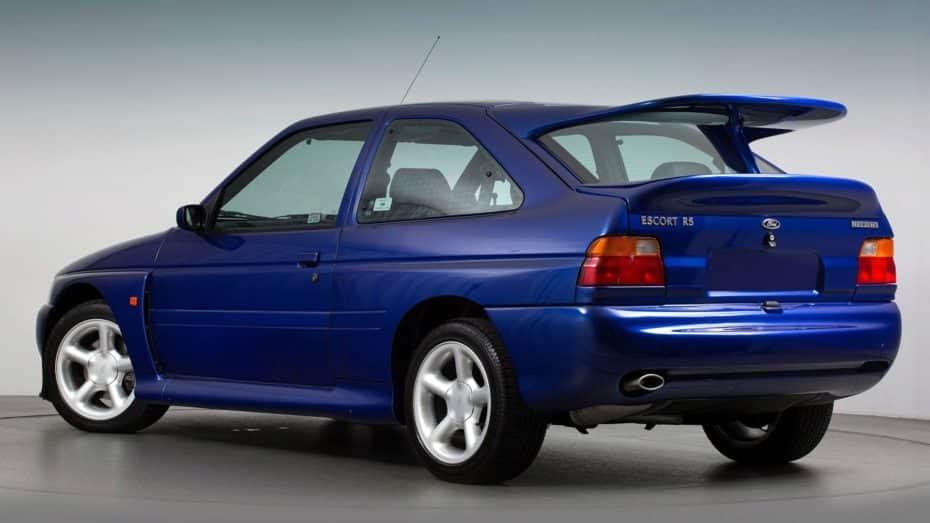 La historia del alerón del Ford Escort RS Cosworth: El ala de la leyenda iba a tener tres pisos
