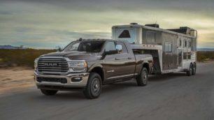 RAM Heavy Duty 2021: hasta 1.458 Nm de par para arrastrar 16,8 toneladas de remolque