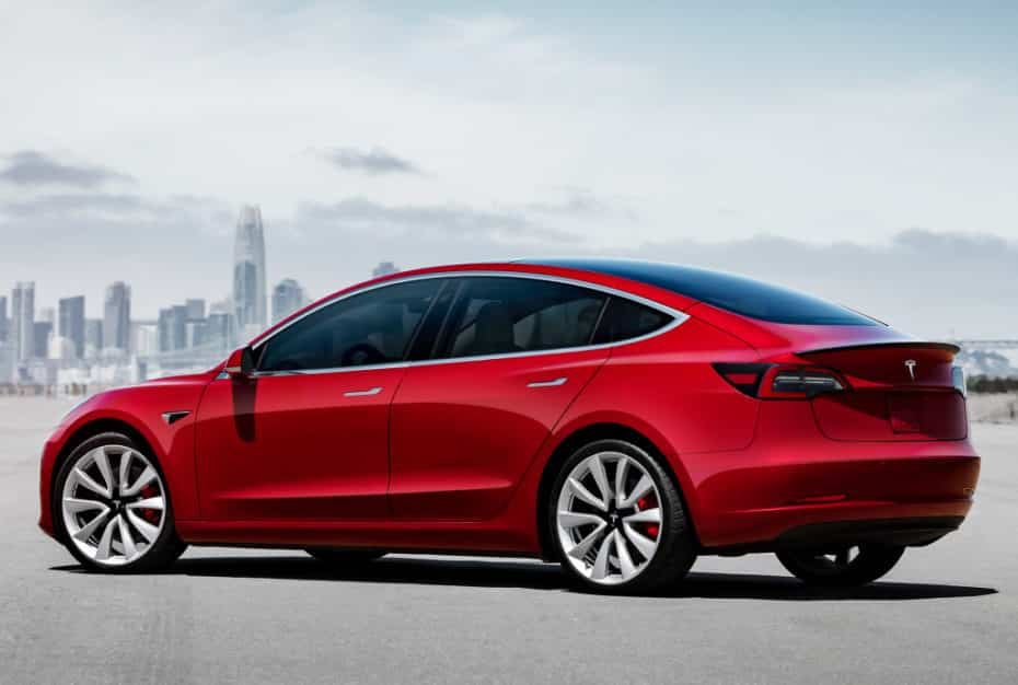El Tesla Model 3 ya triunfa en Europa: Más de 15 mil pedidos en apenas unas semanas