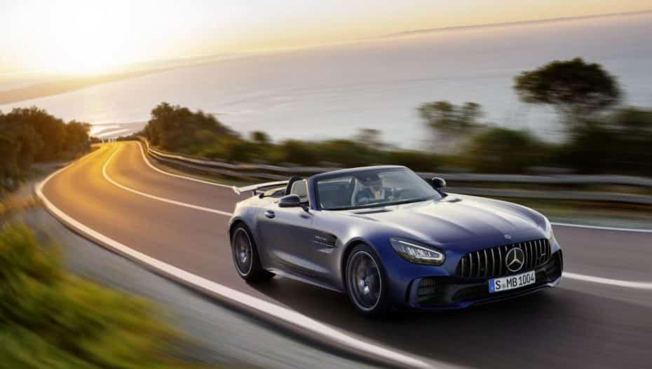 Si tu cuenta corriente te lo permite, ya puedes pedir uno de los 750 Mercedes-AMG GT R Roadster