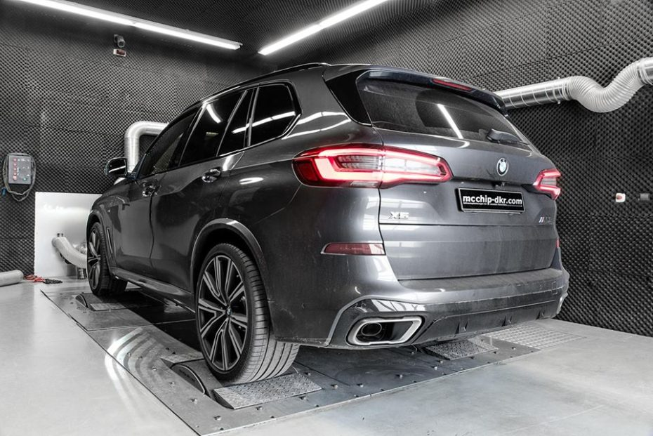 El BMW X5 M50d 2019 de McChip DKR es una bestia con 115 CV y 125 Nm extra