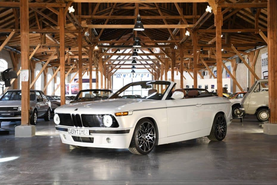 El BMW 2002 Cabrio de los '70 resurge de sus cenizas: Sólo necesitarás 70.000€ y un M135i Cabrio
