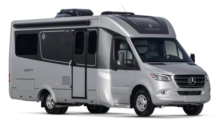 El Unity Rear Lounge de Leisure Travel Vans es el apartamento sobre ruedas con el que siempre soñaste