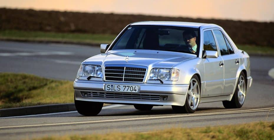 El Mercedes-Benz E 500 cumple 25 años: Un auténtico «Youngtimer» en plena forma