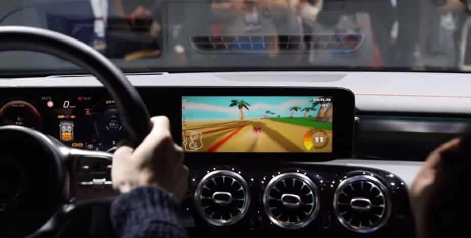 Mercedes lanzará juegos y aplicaciones para MBUX: Atento al «Mario Kart»