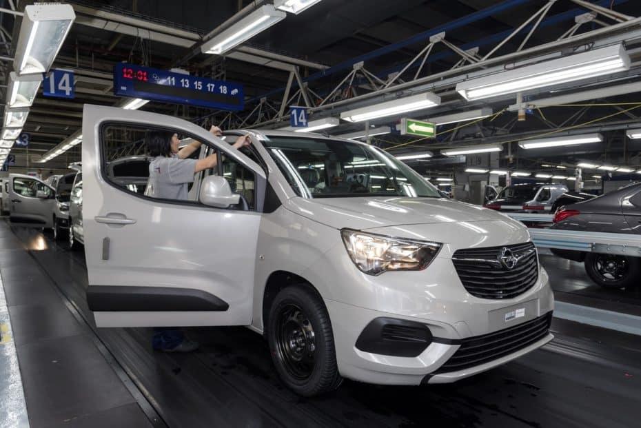 De Vigo para el mundo: Conocemos en primera persona la fabricación y exportación del Opel Combo