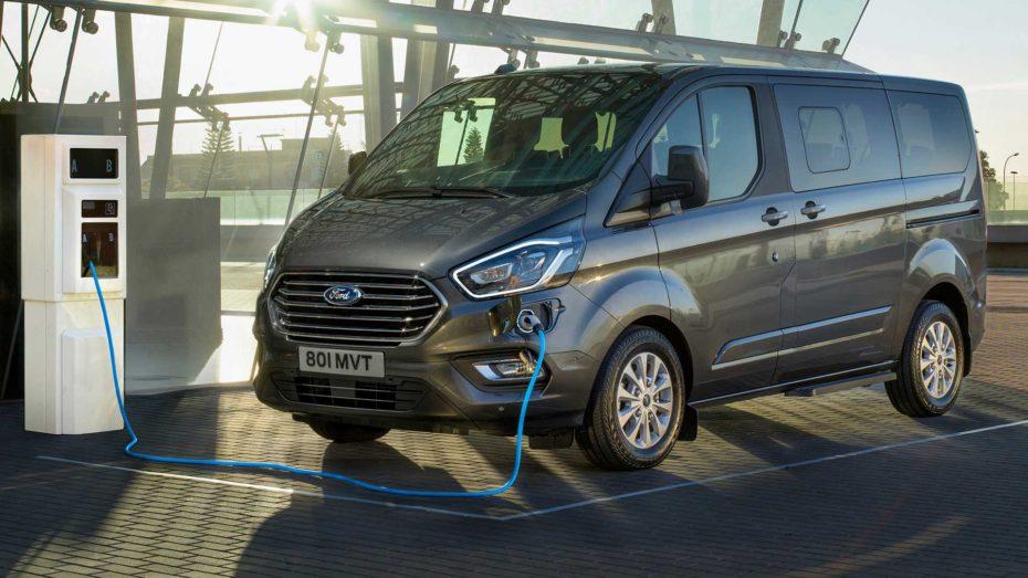 Ford Tourneo Custom Plug-In Hybrid: La variante híbrida-enchufable llega a finales de 2019