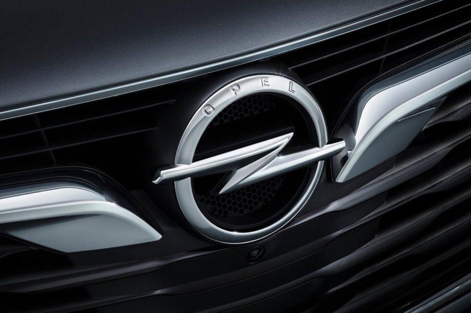 Historia del logo de Opel: De un ojo, un zepelín o un cohete al actual rayo