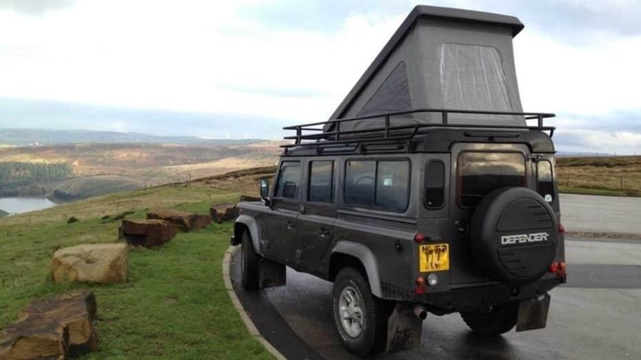 Este Land Rover Defender convertido en camper es un sueño hecho realidad