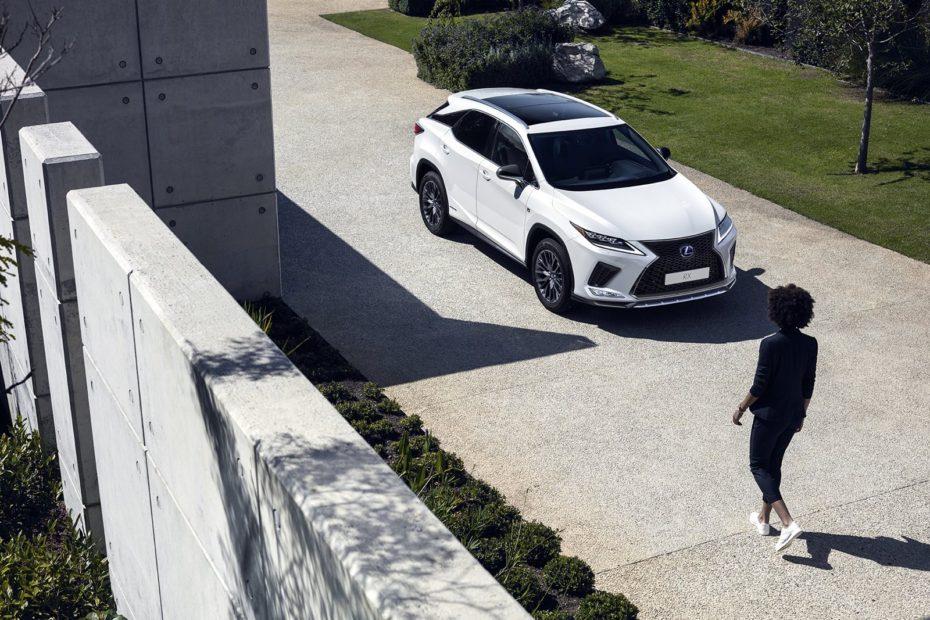 Lexus actualiza el RX: Mejorando el diseño exterior, el equipo y la dinámica