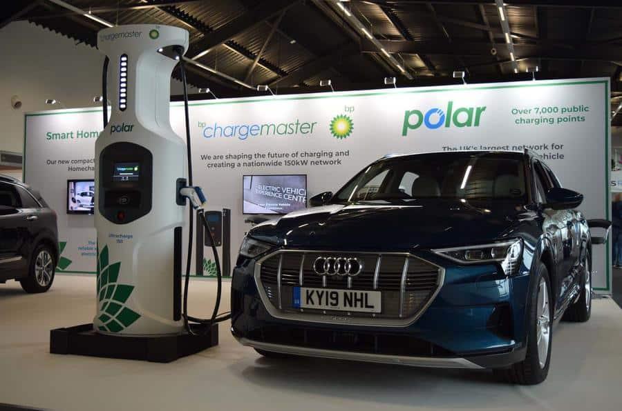BP presenta sus nuevos supercargadores de 150 kW: ¿Para cuándo en las gasolineras españolas?