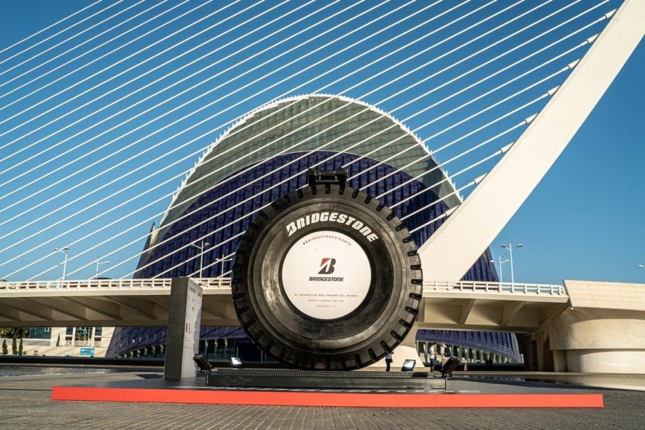 El neumático más grande del mundo estará expuesto en Valencia