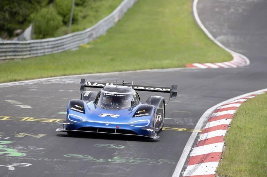 El Volkswagen I.D. R conquista Nürburgring a una velocidad media de 207 km/h