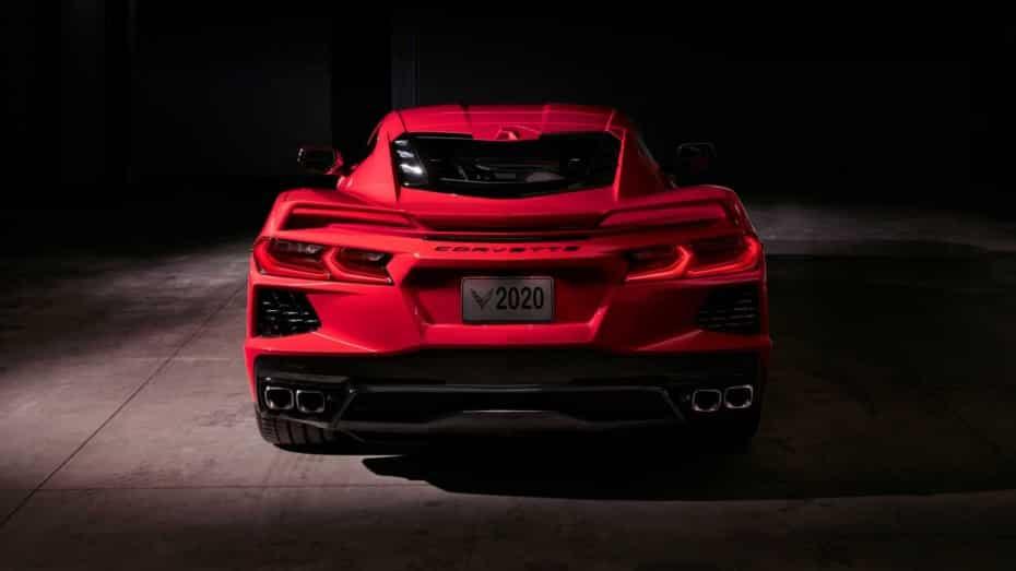Dicen que el Chevrolet Corvette Stingray 2020 es más rápido que el Audi R8 V10 Plus…