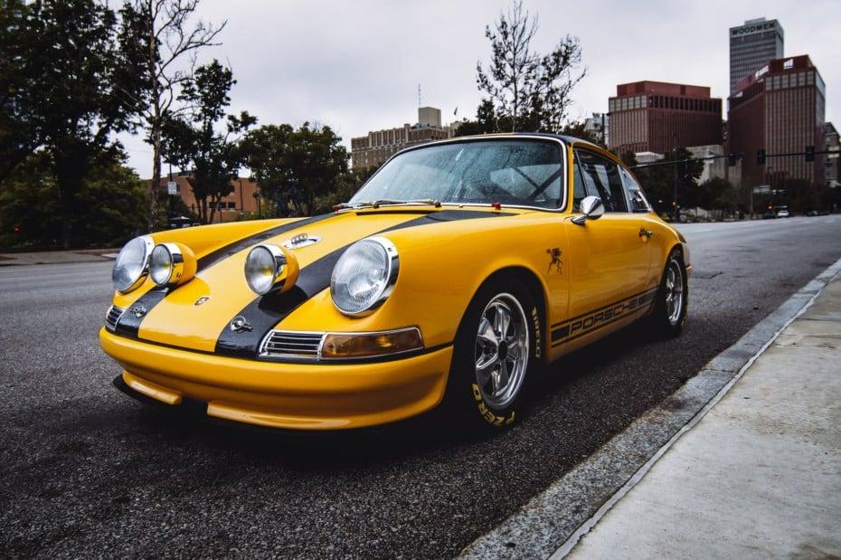 ¡Joya a la venta! Soñarás con este Porsche 911S Coupe 2.7L de1967 preparado para competir…