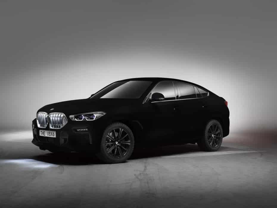 BMW X6 Vantablack VBx2: El negro más negro del mundo convierte al X6 en una mancha con ruedas