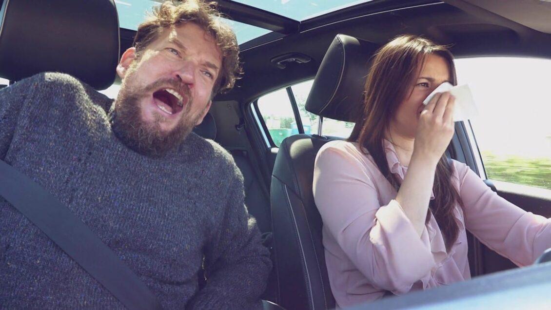 ¿Sigue siendo obligatorio llevar la mascarilla en el coche? ¿En qué casos me pueden multar?