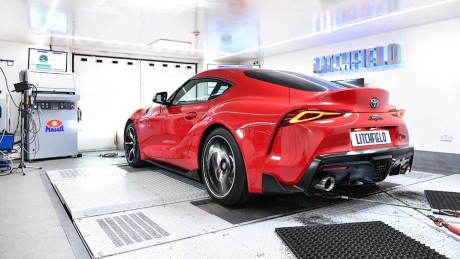 El Toyota Supra 2019 ahora con hasta 426 CV y escapes Akrapovič