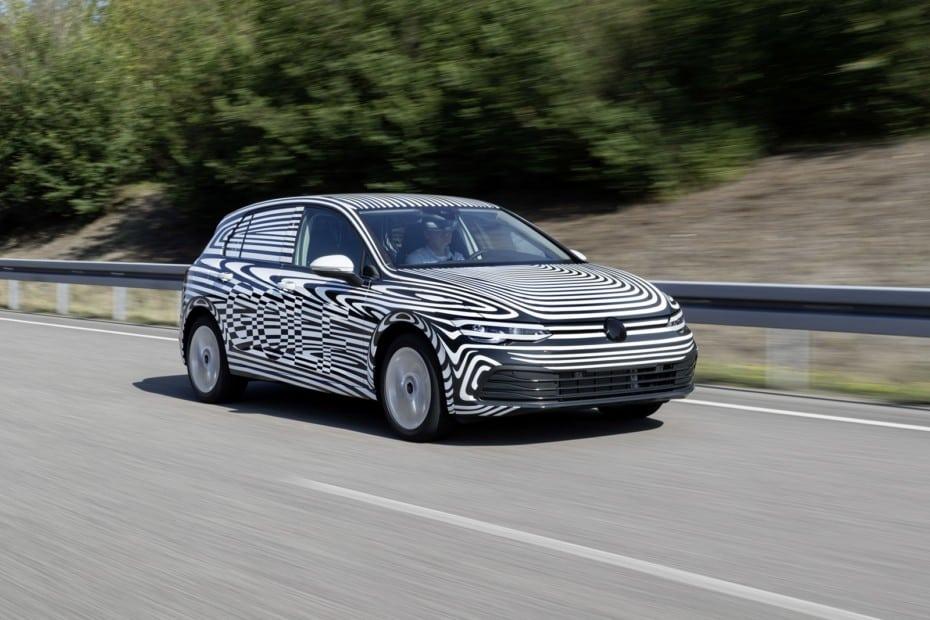 El Volkswagen Golf MK8 está en su fase final de desarrollo: Todos los detalles e imágenes con y sin camuflaje