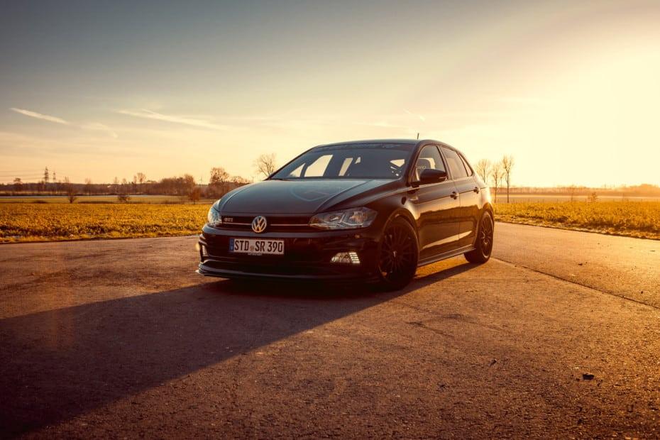 El Volkswagen Polo GTI ahora con 320 CV, dos asientos de competición y jaula antivuelco