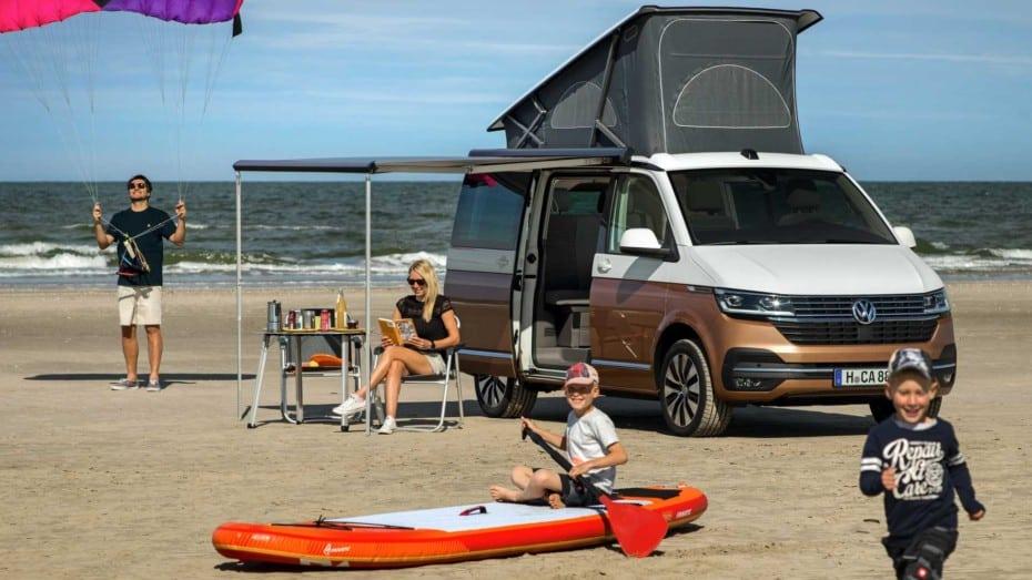 ¿Prefieres un apartamento en la playa o una Volkswagen California 2020?: Precios y equipamiento