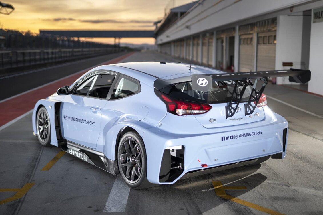 Hyundai está probando el Veloster N ETCR: Las carreras eléctricas cada vez más cerca