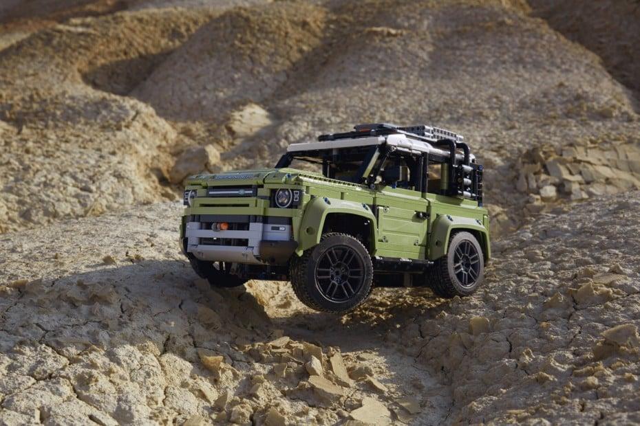 ¡Nuevo SET de LEGO!: Un Land Rover Defender de 2573 piezas y alta complejidad
