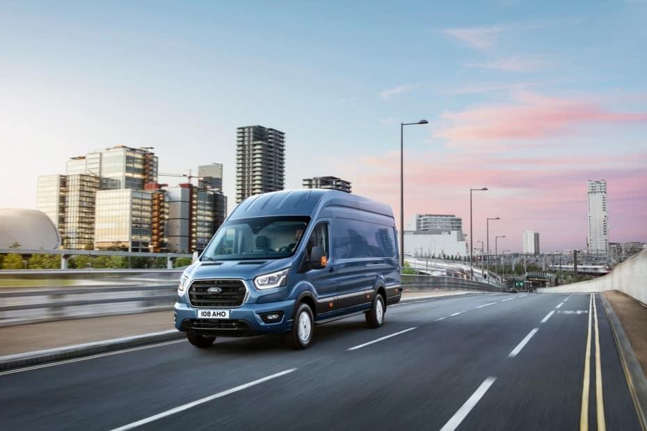 La nueva Ford Transit de 2 toneladas es más ligera, menos gastona y llega con muchas novedades