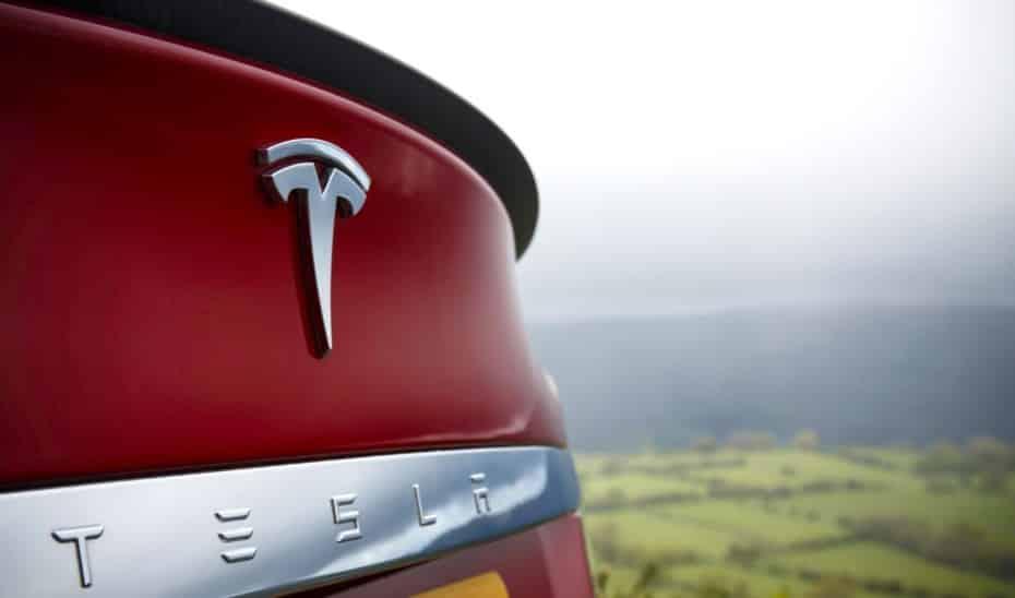 Nuevos juegos, «Modo Campamento» e interesantes funcionalidades en la última actualización de Tesla