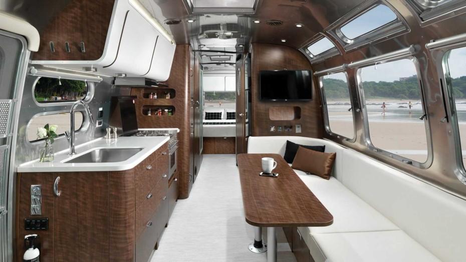 Airstream Globetrotter 30: Con tanto lujo y espacio da gusto llevar la casa a cuestas