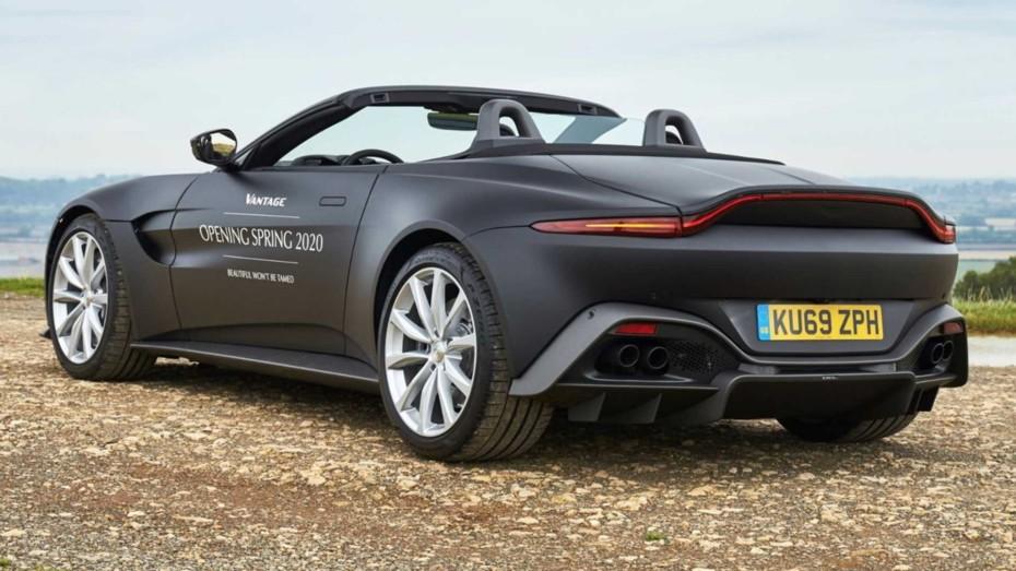 Primeras imágenes del Aston Martin Vantage Roadster: ¿Todavía prefieres un Porsche 911 Cabrio?