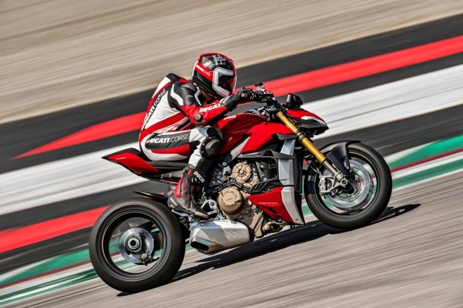 Ducati Streetfighter V4 y V4 S: Hasta 220 CV para 172 kg. de peso y escape Akrapovic
