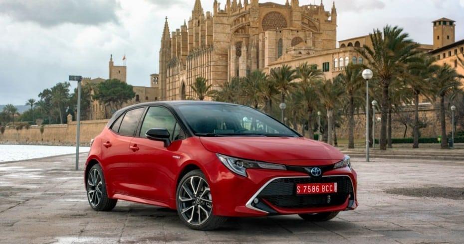 Apple CarPlay y Android Auto llegarán al Toyota Corolla a partir de Noviembre