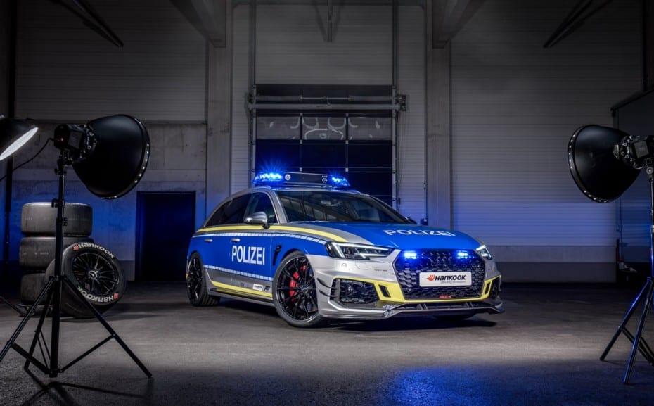 ¡Salvaje!: Así es el Audi RS4-R policial de ABT que no querrás encontrar en el retrovisor