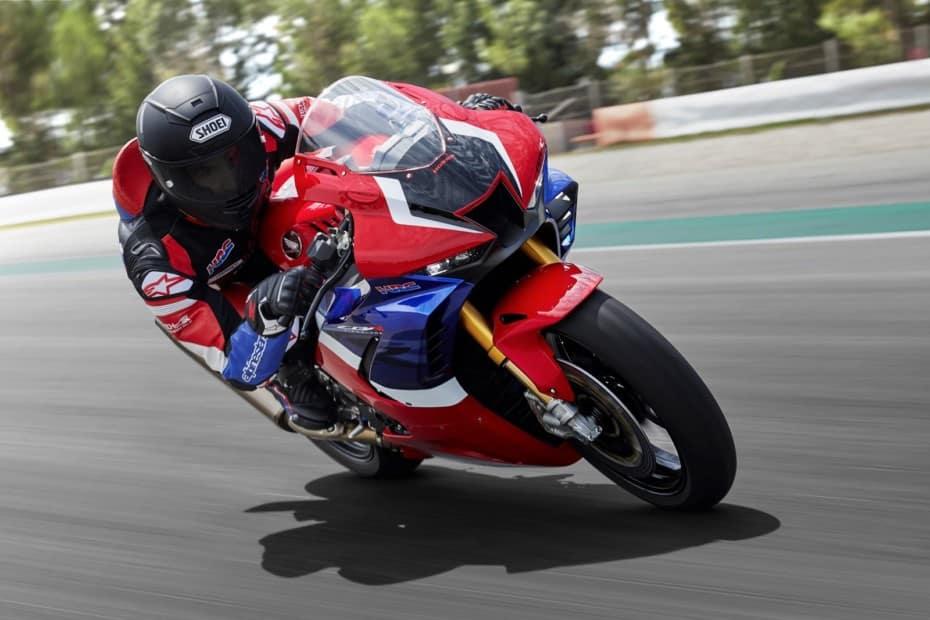 Así es la Honda CBR1000RR-R FIREBLADE SP 2020: Lo más cercano a la MotoGP que podrás estar en la vía pública