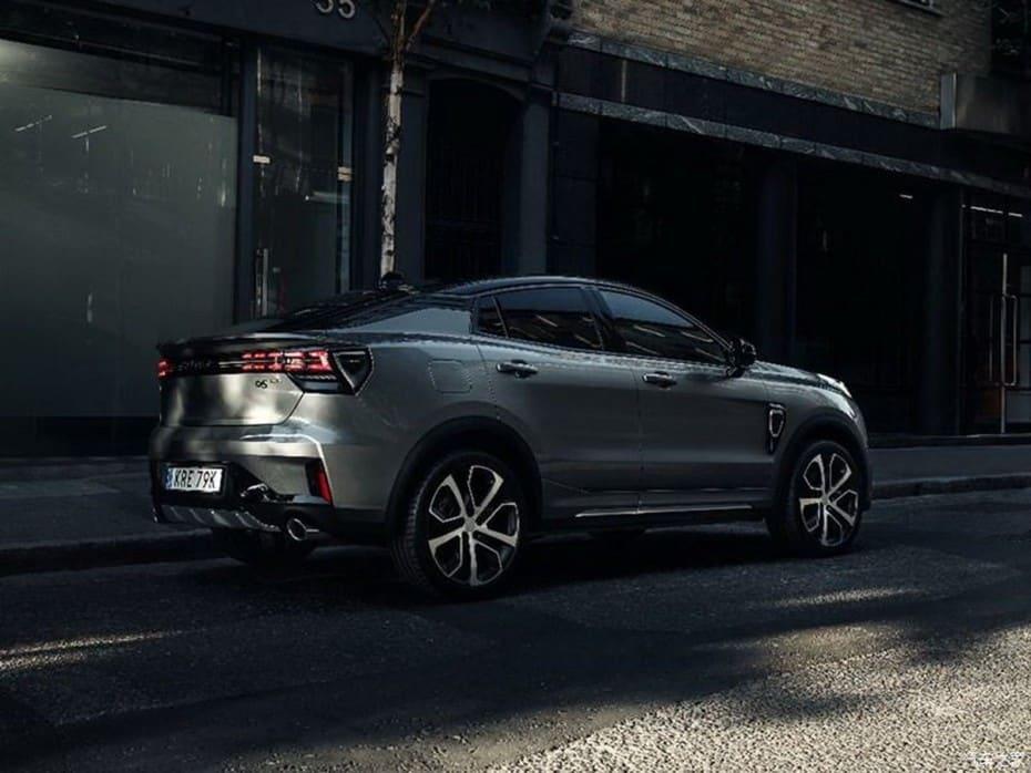 Nuevas imágenes del Lynk & Co 05: El crossover coupe tiene muy buena pinta