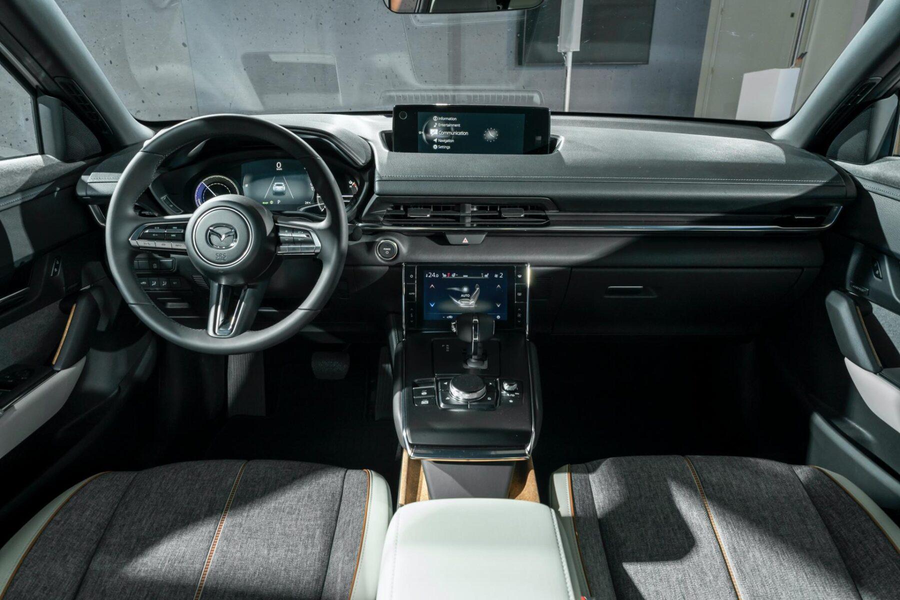 Mazda MX-30 (2019) 44