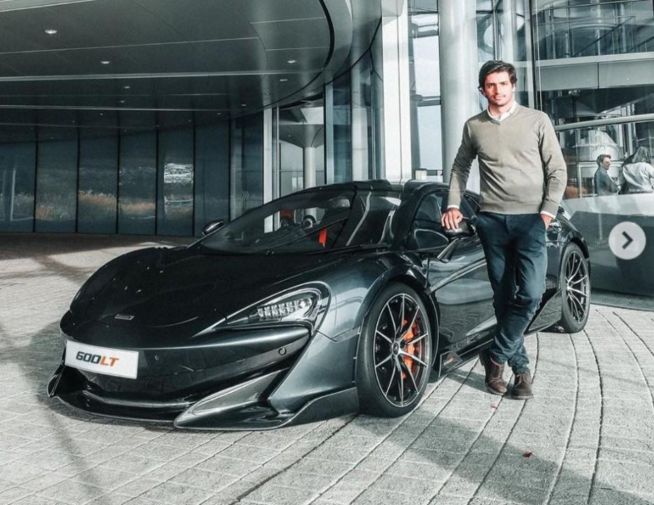 Seguro que te gusta el nuevo juguete que Carlos Sainz va a tener en su garaje…