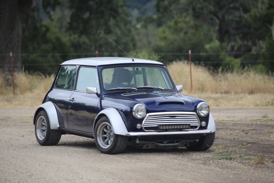 Este Mini Cooper con tracción total y tecnología VTEC es tu mejor aliado para este invierno