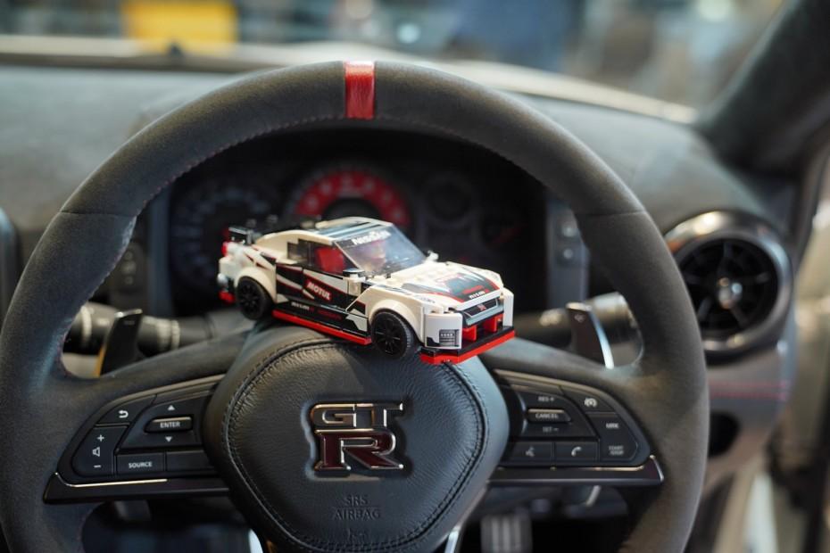 Atento a lo último de LEGO porque igual te cuadra para Navidades: Nissan GT-R Nismo…