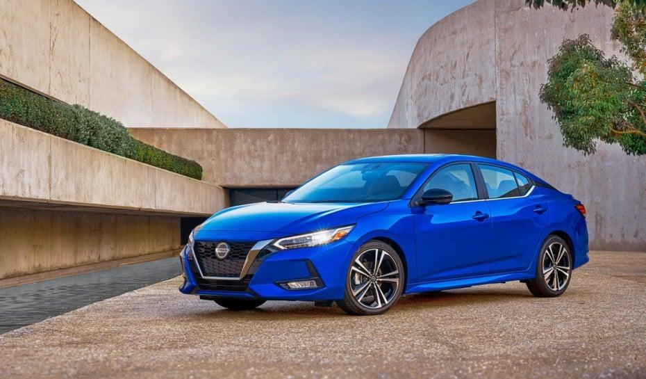 Así es el renovado Nissan Sentra: Los modelos que «molan» no llegan a Europa